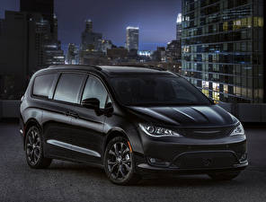 Pictures Chrysler Black 2018 Pacifica Limited S Appearance Package