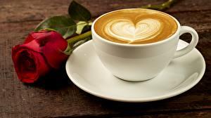 Desktop hintergrundbilder Kaffee Cappuccino Rose Tasse Untertasse Herz das Essen Blumen