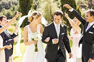 Images Couples in love Man Bouquet Wedding Groom Bride Smile Joy Hands Girls