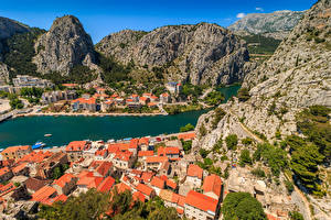 Hintergrundbilder Kroatien Haus Berg Fluss Schiffsanleger Felsen Omis Städte