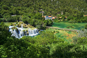 Hintergrundbilder Kroatien Parks Wasserfall Wälder See Brücken Krka National Park Natur