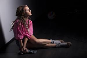 Images Locs Modelling Legs Sit Posing female