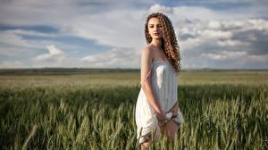 Hintergrundbilder Acker Kleid Braunhaarige Model Aleksandra, Alexey Yuryev Mädchens