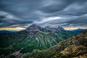 Bilder Frankreich Berg Gebäude Himmel Pyrenees