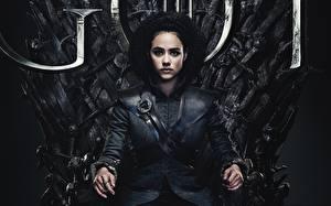 Fonds d'écran Game of Thrones S'asseyant Trône Nathalie 8s Emmanuel Missandei 2019 Cinéma Filles Célébrités