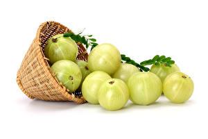 Desktop hintergrundbilder Stachelbeere Weißer hintergrund Weidenkorb das Essen