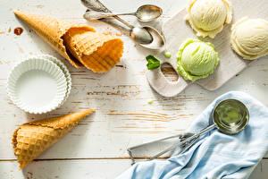 Wallpapers Ice cream Wood planks Spoon Balls Ice cream cone Food