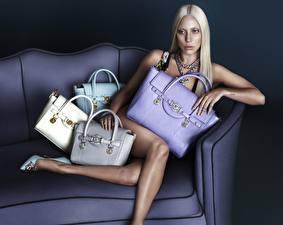 Photo Lady GaGa Purse Sit Couch Legs Blonde girl Celebrities Girls