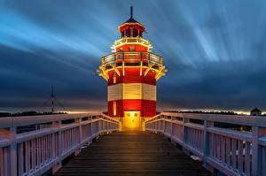 Desktop hintergrundbilder Leuchtturm Abend Deutschland Brücken Zaun Rheinsberg Lighthouse Städte