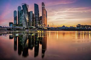 Hintergrundbilder Moskau Russland Flusse Abend Reflexion Moscow City Städte