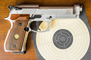 Bilder Pistolen Hautnah Schießscheibe