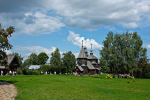 Wallpapers Russia Temples Church Museums Trees Grass Suzdal Vladimir Oblast