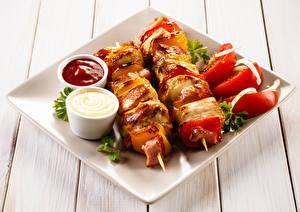 Bilder Schaschlik Gemüse Bretter Ketchup Teller Lebensmittel