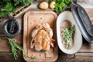 Bilder Gewürze Kartoffel Hühnerfleisch Schneidebrett