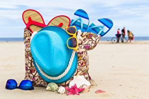 Papel de Parede Desktop Verão Bolsa Chapéu Chinelo Praia Lunettes