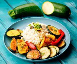 Fotos Die zweite Gerichten Reis Gemüse Zucchini Teller Lebensmittel
