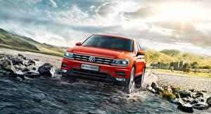 Bureaubladachtergronden Volkswagen Water Vooraanzicht Oranje Cross-over auto Tiguan Auto