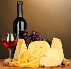 Обои Вино Сыры Виноград Орехи Бутылки Бокал Пища
