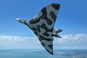 Bilder Flugzeuge Bomber Flug Britisch Avro Vulcan B2 Luftfahrt