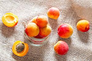 Wallpaper Apricot Jar