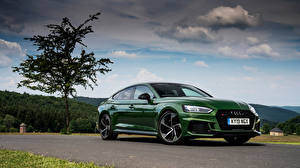 Fotos & Bilder Audi Grün Metallisch 2019 RS 5 Sportback Autos