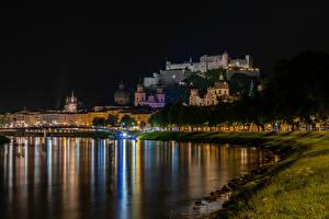 Fotos & Bilder Österreich Salzburg Flusse Haus Nacht Städte