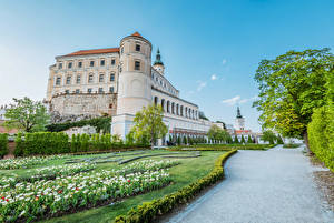 Images Czech Republic Castles Gardens Tulips Shrubs Mikulov castle Cities
