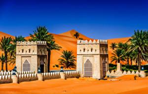Hintergrundbilder VAE Tropen Tempel Straßenlaterne Palmen Abu Dhabi Städte