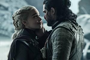 Fotos Game of Thrones Kit Harington Emilia Clarke Daenerys Targaryen Mann jon snow Film Prominente