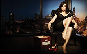Wallpapers Julianna Margulies The Good Wife (TV series) Legs Wing chair Sitting Brunette girl Movies Girls Celebrities