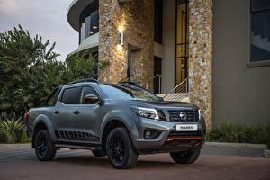 Fotos Nissan Graue Pick-up 2019 Navara Stealth Double Cab auto