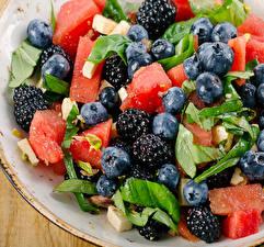 Fotos Salat Obst Brombeeren Heidelbeeren Wassermelonen