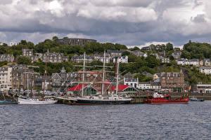 Tapety na pulpit Statek Żaglowiec Przystań Domy Szkocja Zatoki Oban Miasta