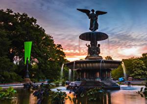 Tapety na pulpit USA Wieczór Fontanny Rzeźbiarstwo Nowy Jork Bethesda Fountain Natura