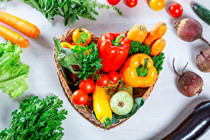 Pictures Vegetables Beet Carrots Bell pepper Tomatoes