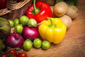 デスクトップの壁紙、、野菜、ジャガイモ、パプリカ、タマネギ、木の板、食べ物