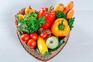 Papel de Parede Desktop Hortaliça Tomates Pimentão Cesta de vime Coração comida