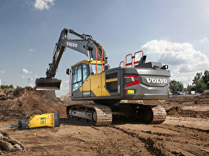 Pictures Volvo Payloader 2019 EC200E