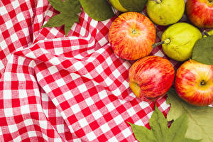 Pictures Apples Pears Tablecloth