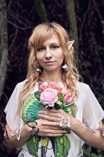 Fotos & Bilder Sträuße Schmetterlinge Elfen Blond Mädchen Blick Cosplay Mädchens