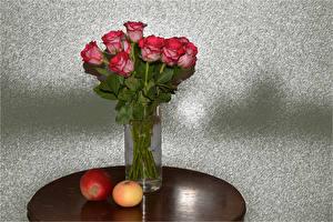 Fondos de escritorio Ramos Rosas Manzanas Jarrón Rojo flor