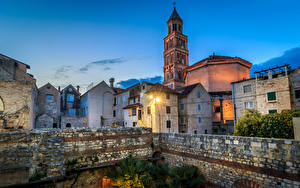 Picture Croatia City of Split Temple Church Evening Rays of light Fence Cathedral of Saint Domnius Cities