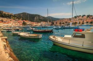 Pictures Croatia Building Marinas Speedboat Bay Hill Hvar Cities