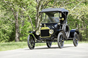 Image Ford Antique Black 1915 Model T Runabout automobile