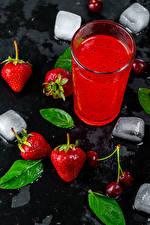 Fotos & Bilder Saft Erdbeeren Trinkglas Eis Lebensmittel