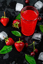 Pictures Juice Strawberry Highball glass Ice Food