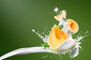 Fotos Milch Melone Spritzwasser
