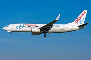 Bilder Verkehrsflugzeug Boeing Seitlich 737-800W,Air Europa
