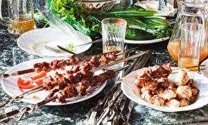 Bilder Schaschlik Saft Teller Trinkglas Lebensmittel