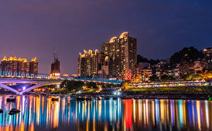 Bilder Taiwan Gebäude Fluss Brücken Seebrücke Nacht Lichtstrahl New Taipei Städte